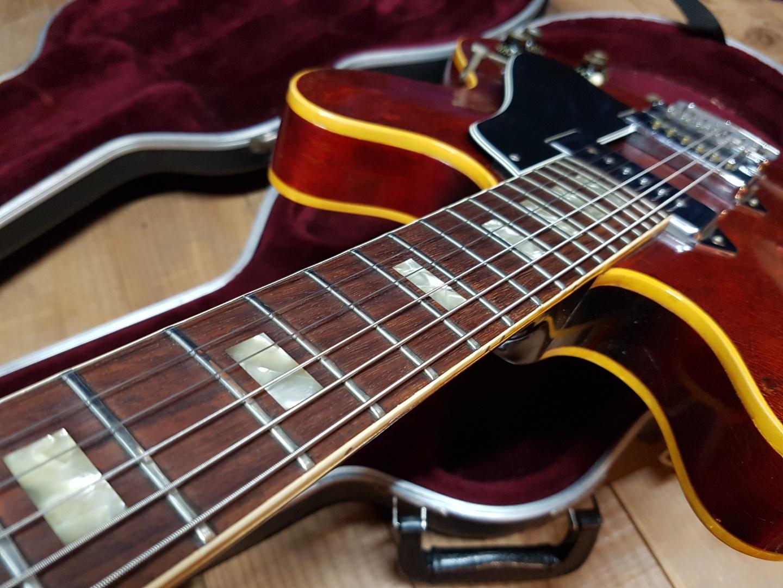 1966 깁슨 ES 330